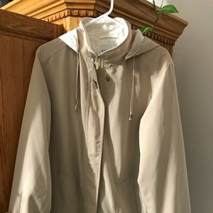 White stage hooded raincoat